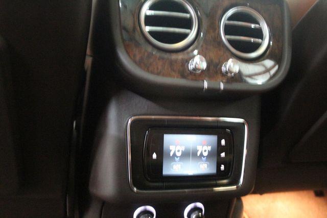 2019 Bentley Bentayga V8 Houston, Texas 41