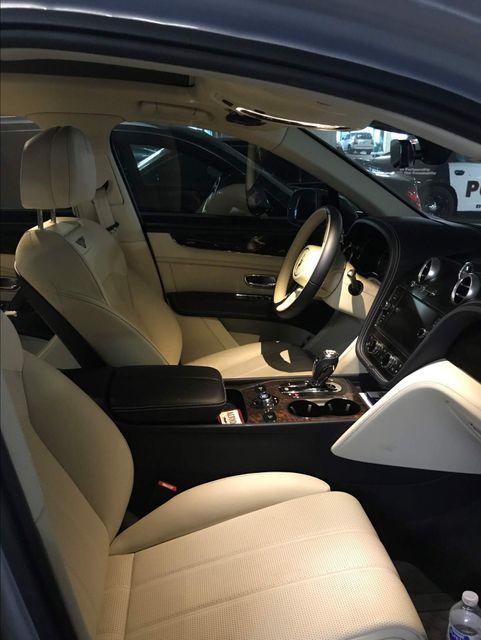 2019 Bentley Bentayga V8 Houston, Texas 12