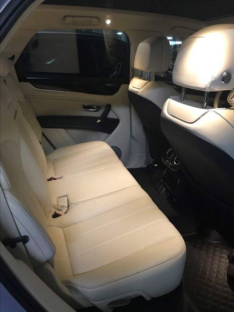 2019 Bentley Bentayga V8 Houston, Texas 9