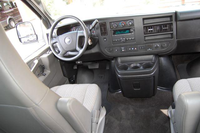 2019 Chevrolet 12 Pass. LT Charlotte, North Carolina 16