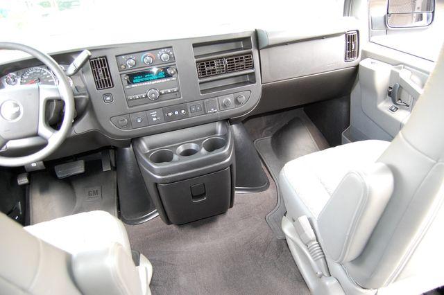 2019 Chevrolet 12 Pass. LT Charlotte, North Carolina 15