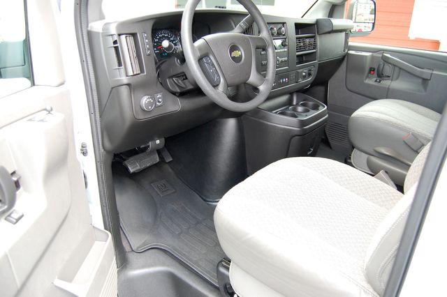 2019 Chevrolet 12 Pass. LT Charlotte, North Carolina 4