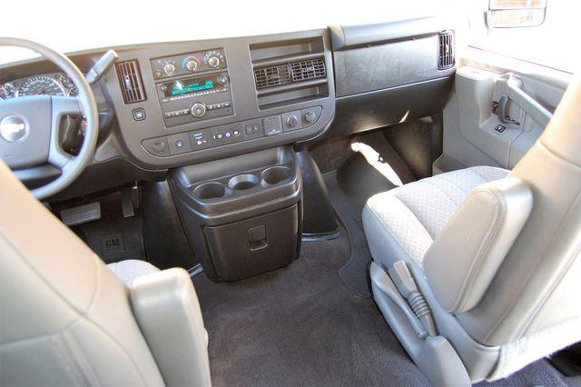 2019 Chevrolet 12 Pass. LT Charlotte, North Carolina 17