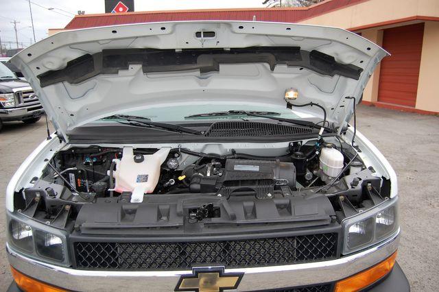 2019 Chevrolet 15 Pass. LT Charlotte, North Carolina 16