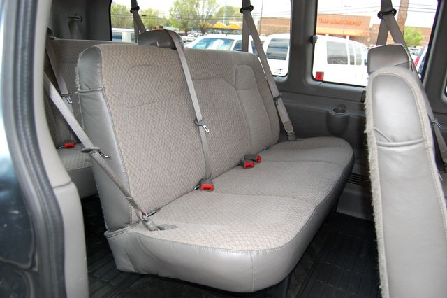 2019 Chevrolet 15 Pass. LT Charlotte, North Carolina 10