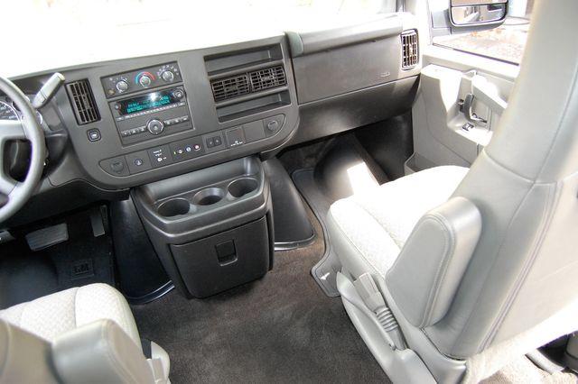 2019 Chevrolet 15 Pass. LT Charlotte, North Carolina 15
