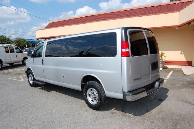 2019 Chevrolet 15 Pass. LT Charlotte, North Carolina 3