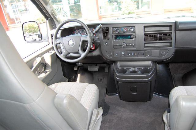 2019 Chevrolet 15 Pass. LT Charlotte, North Carolina 11
