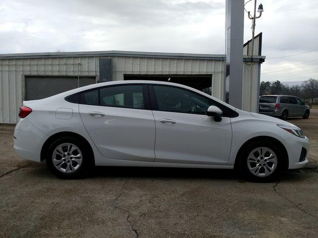 2019 Chevrolet Cruze Houston, Mississippi 3