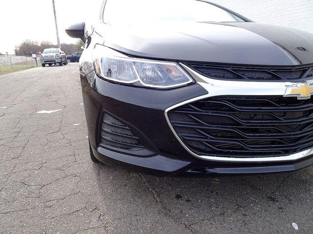 2019 Chevrolet Cruze LS Madison, NC 8