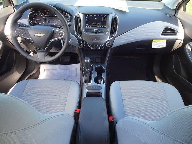 2019 Chevrolet Cruze LT Madison, NC 33