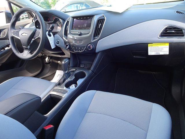 2019 Chevrolet Cruze LT Madison, NC 35