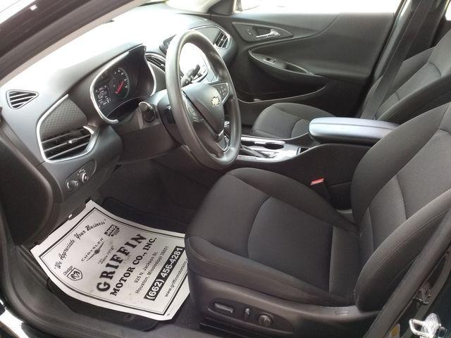 2019 Chevrolet Malibu LT Houston, Mississippi 4