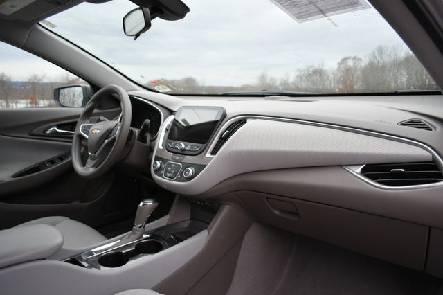 2019 Chevrolet Malibu LS Naugatuck, Connecticut 8