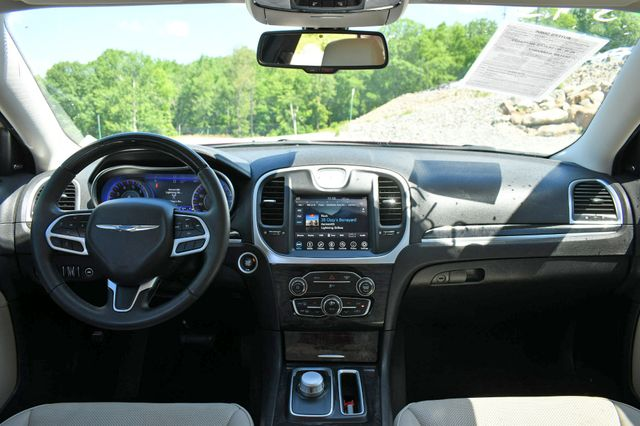 2019 Chrysler 300 Limited Naugatuck, Connecticut 14