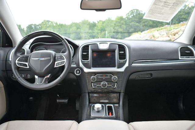 2019 Chrysler 300 Limited Naugatuck, Connecticut 13