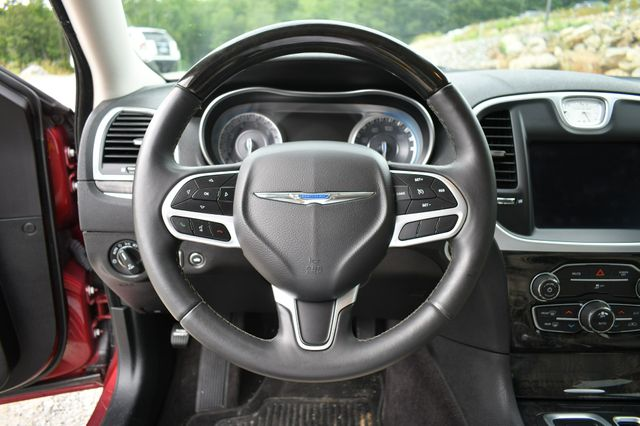 2019 Chrysler 300 Limited Naugatuck, Connecticut 15