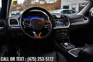 2019 Chrysler 300 Limited Waterbury, Connecticut 14