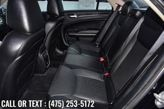 2019 Chrysler 300 Limited Waterbury, Connecticut 17