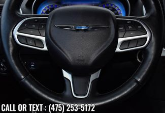 2019 Chrysler 300 Limited Waterbury, Connecticut 30