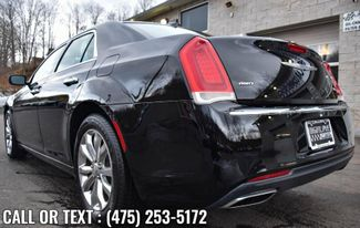 2019 Chrysler 300 Limited Waterbury, Connecticut 3