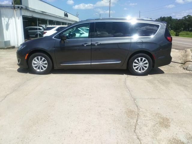 2019 Chrysler Pacifica Touring L Houston, Mississippi 3