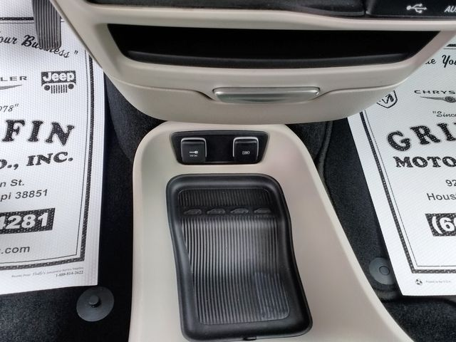 2019 Chrysler Pacifica Touring L Houston, Mississippi 17