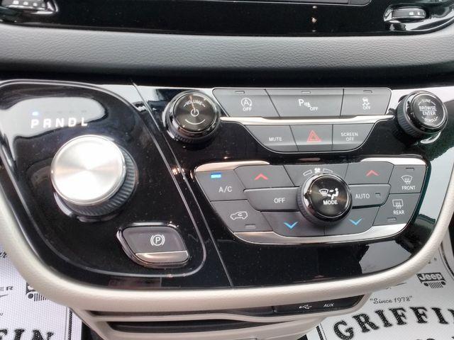 2019 Chrysler Pacifica Touring L Houston, Mississippi 15