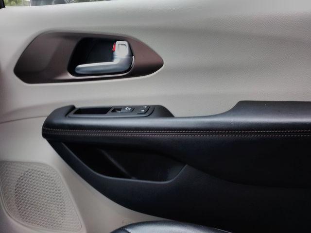 2019 Chrysler Pacifica Touring L Houston, Mississippi 26