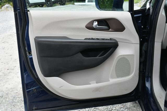 2019 Chrysler Pacifica Touring Plus Naugatuck, Connecticut 17