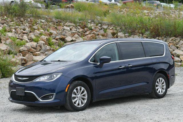 2019 Chrysler Pacifica Touring Plus Naugatuck, Connecticut 2