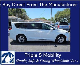 2019 Chrysler Pacifica Touring L Wheelchair Van Handicap Ramp Van in Pinellas Park, Florida 33781