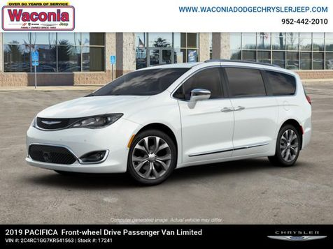 2019 Chrysler Pacifica Limited in Victoria, MN