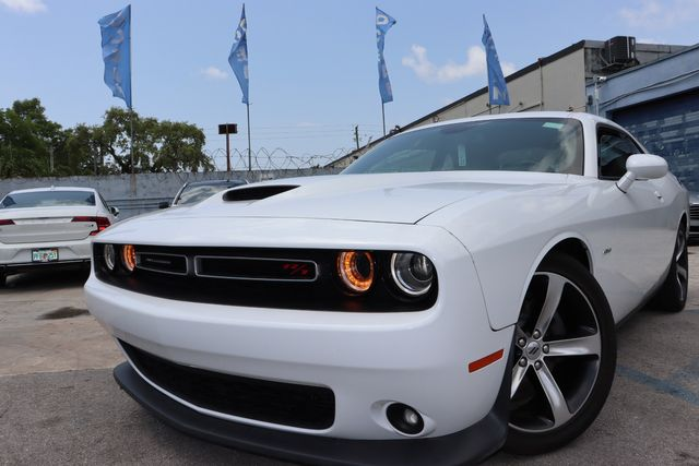 2019 Dodge Challenger R/T in Miami, FL 33142