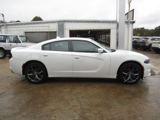 2019 Dodge Charger SXT Houston, Mississippi 3