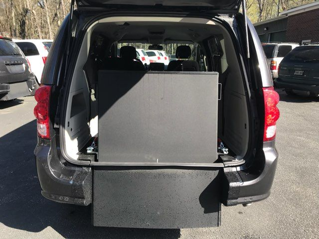 2019 Dodge Grand Caravan handicap wheelchair accessible van Dallas, Georgia 4
