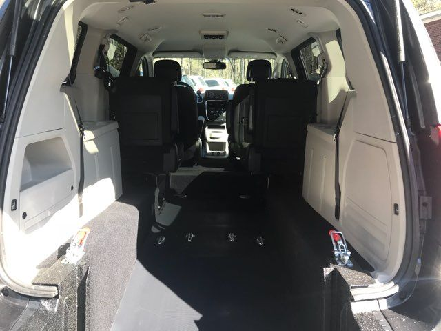 2019 Dodge Grand Caravan handicap wheelchair accessible van Dallas, Georgia 3