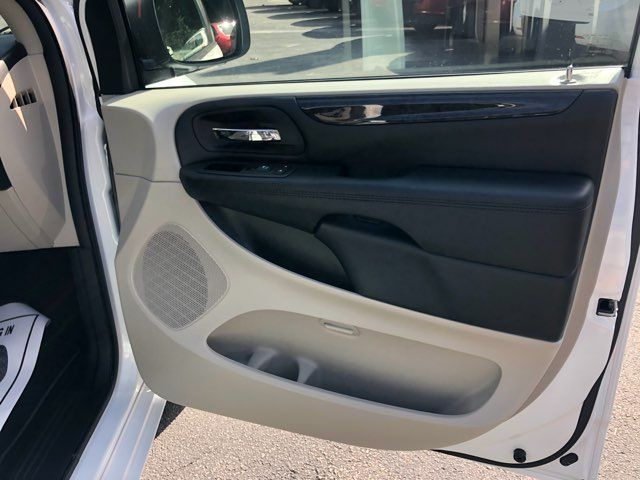 2019 Dodge Grand Caravan SE handicap wheelchair accessible rear entry Dallas, Georgia 19
