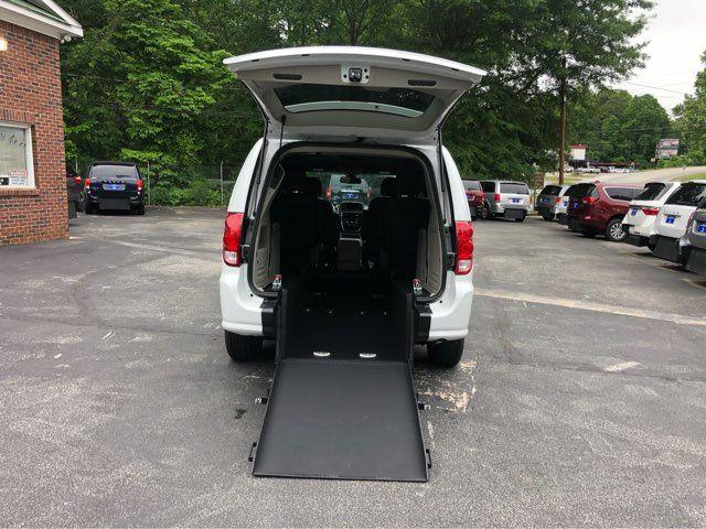2019 Dodge Grand Caravan SXT handicap wheelchair
