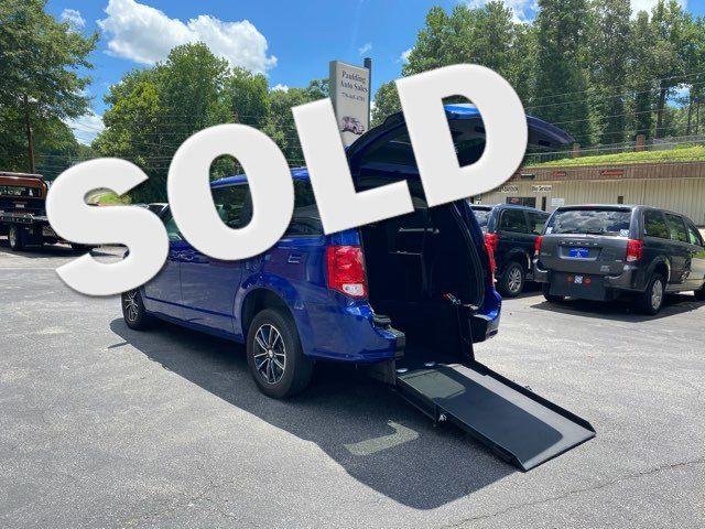 2019 Dodge Grand Caravan GT handicap wheelchair van