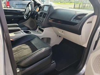 2019 Dodge Grand Caravan Sxt Wheelchair Van Handicap Ramp Van Pinellas Park, Florida 14