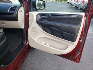 2019 Dodge Grand Caravan Sxt Wheelchair Van Handicap Ramp Van Pinellas Park, Florida 14