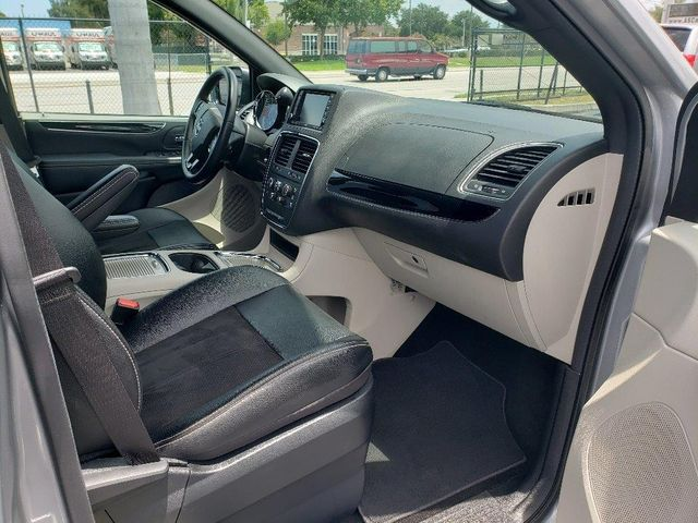 2019 Dodge Grand Caravan Sxt Wheelchair Van Handicap Ramp Van Pinellas Park, Florida 21