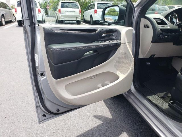 2019 Dodge Grand Caravan Sxt Wheelchair Van Handicap Ramp Van Pinellas Park, Florida 8