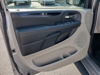 2019 Dodge Grand Caravan Sxt Wheelchair Van Handicap Ramp Van Pinellas Park, Florida 9