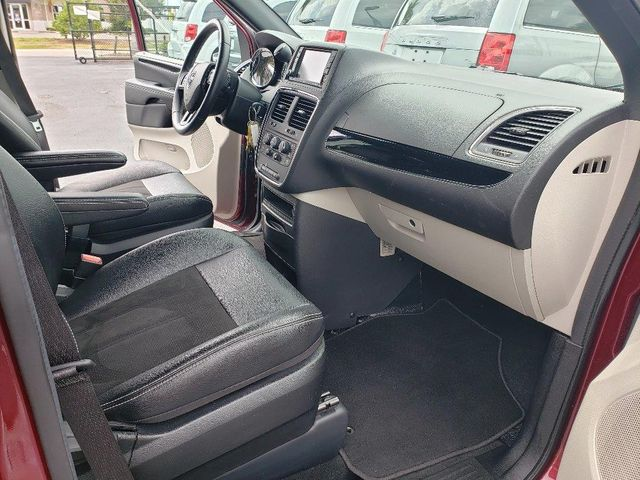 2019 Dodge Grand Caravan Sxt Wheelchair Van Handicap Ramp Van Pinellas Park, Florida 13