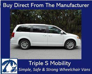 2019 Dodge Grand Caravan Sxt Wheelchair Van Handicap Ramp Van Pinellas Park, Florida