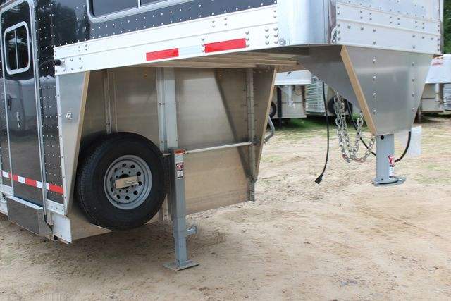 2019 Eby MAVERICK 24' STOCK/ COMBO Goose Neck with Front Tack & side CONROE, TX 2