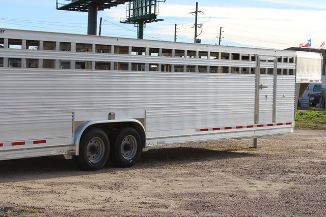 2019 Eby ROUGHNECK 32 X 8 Livestock Cattle Trailer CONROE, TX 18