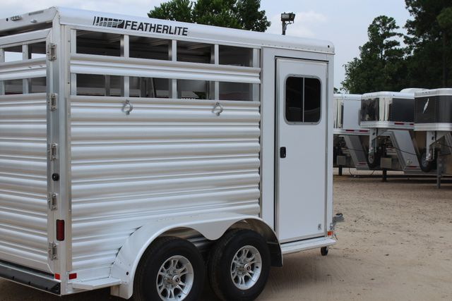 2019 Featherlite 9651 STOCK STYLE 2H SLANT LOAD WITH DRESSING ROOM CONROE, TX 21
